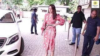 Sonakshi Sinha M0ST EMBARRASSSING Moment At Khandani Shafakhana Trailer Launch