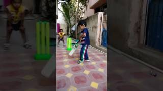Child Virat Kohli batting