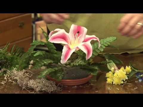Flower Arrangements : How to Make Artificial Flower Arrangements