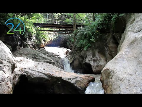 Relaxing Waterfall - 8 Hours - Meditation Calm Peace Serenity Nature Relaxation Sound Relajación