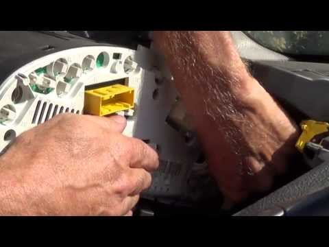 How to replace a dashboard light