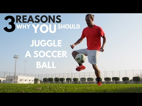 How to Juggle a Soccer Ball   Beginners Tutorial    COACH MY SKILLS