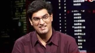 Download Kunal Roy Kapoor brings sexy back Video