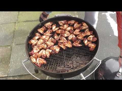 Chicken Wings on the Weber kettle grill
