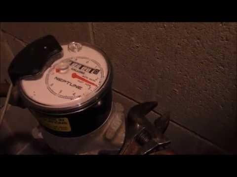 emergency water shut off, water meter valve, how to turn off water in house