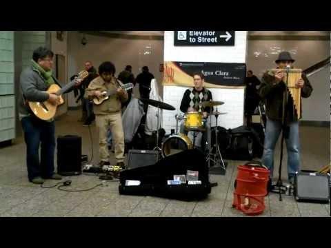 Agua Clara Times Square Subway Performance