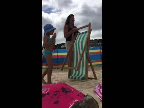 Putting up a deck chair