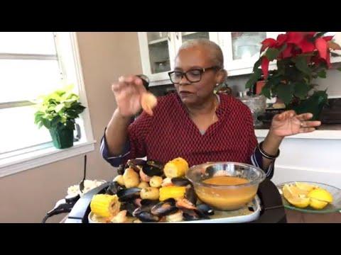 HOW TO MAKE SEAFOOD FRIDAY JUMBO SHRIMP BOIL * MUSSELS * CAJUN SAUSAGE   RECIPE
