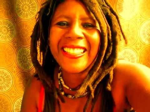 Freeform Dreadlock Talk Aloe Vera Plant  Frizz and Dreadlocks