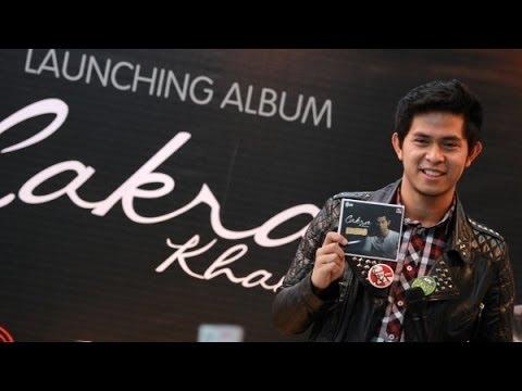 Download Cakra Khan - Mudah Jatuh Cinta [with lyrics] MP3 Gratis