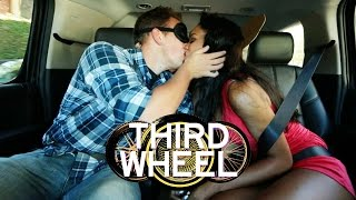 BLINDFOLD KISSING CHALLENGE | THIRD WHEEL W/ LAUREN ELIZABETH & HUNTER MARCH
