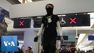 Hong Kong Protesters Clash with Police at Subway Station