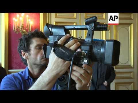 French FM, UN Syria envoy on political solution