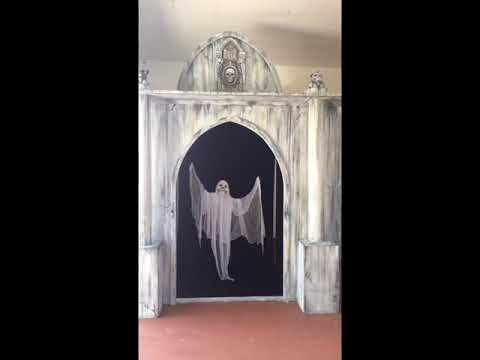 My crypt and marionette ghost build Halloween prop