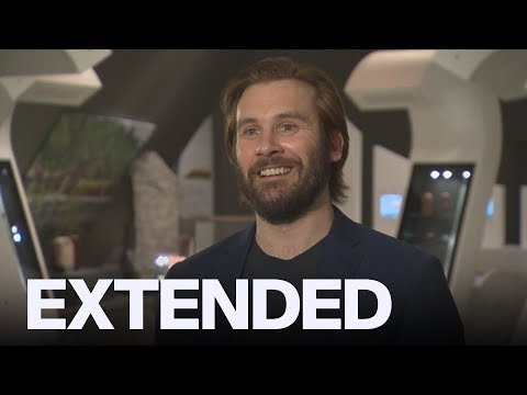 Clive Standen On 'Vikings' Season 5 | EXTENDED