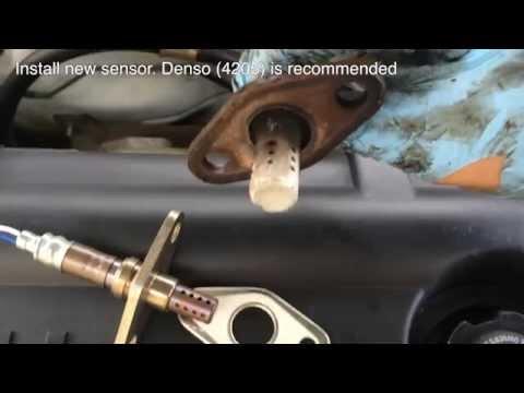 How to replace Upstream Oxygen O2 sensor Corolla 98-02 8th Gen Toyota