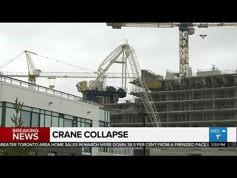 Crane collapses in Mississauga