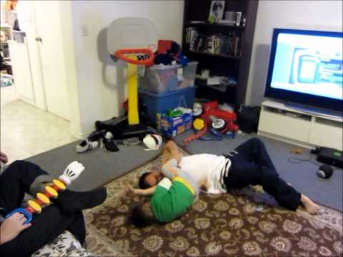 3 years old takes down and armbars an adult