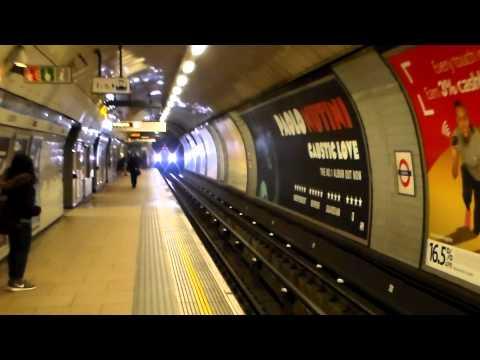 London Underground 2009 Tube Stock arriving into Euston 24th November 2014