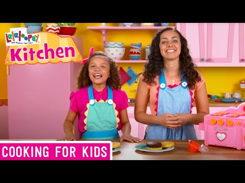 Lalalooopsy Kitchen: How to Make a Pickle Burger Cake   We're Lalaloopsy   Now Streaming on Netflix!