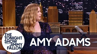 """Amy Adams Uses Her """"Mom Voice"""" on Red Carpets and the Sharp Objects Set"""