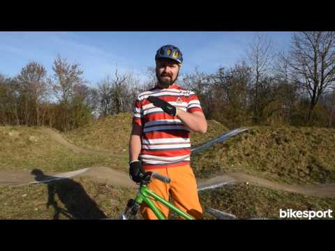 bikesport Magazin - Mountainbike Fahrtechnik: Pumptrack fahren