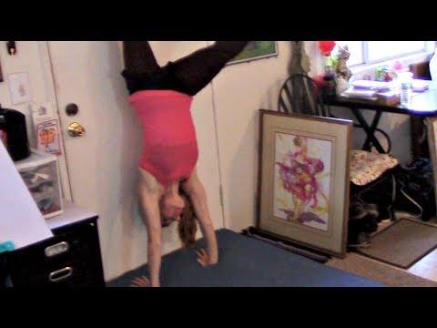Handstand/Cartwheel Tips For Beginners Gymnastics Lesson!