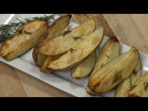 How to Make Roasted Potatoes With Rosemary