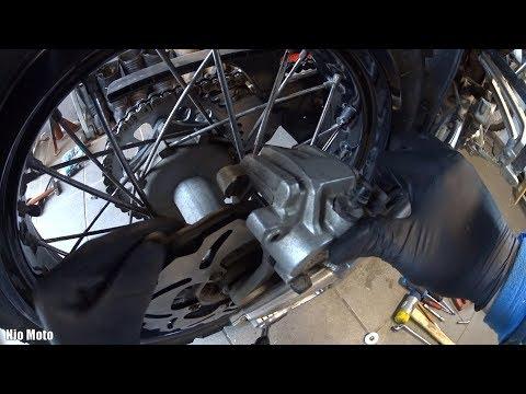 Brakes and wheel bearings (rear) 2/2 * Service * KTM 950 Adventure