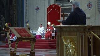 Đức Thánh Cha cử hành nghi thức tưởng niệm cuộc thương khó Chúa ngày Thứ Sáu Tuần Thánh 14/04/2017
