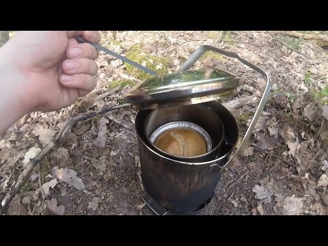Backpacking food: how to make (yeast) bannock bread rolls in a billy can (video recipe)