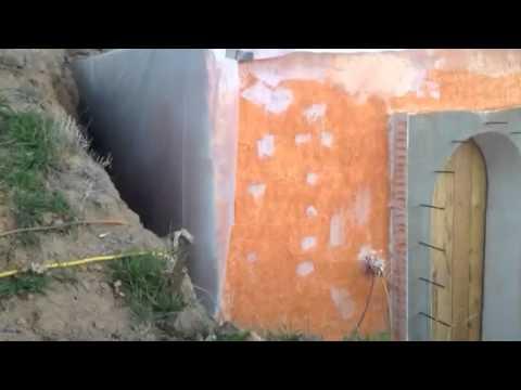 Root cellar, food storage