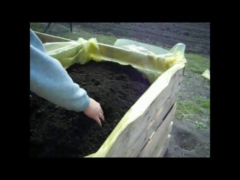Homemade planter box- cheap and easy