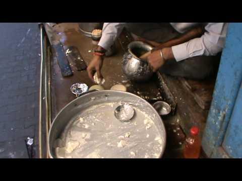 161 - Varanasi, making Bhang Lassi http://indie.konkel.eu/