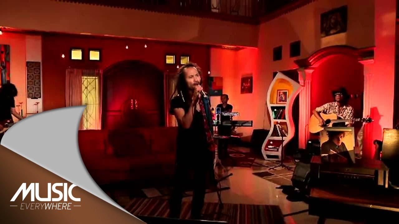 Download Ipang Lazuardi - Sekali Lagi (Live at Music Everywhere) * MP3 Gratis