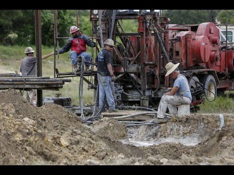 What happens to abandoned oil and gas wells in Texas?
