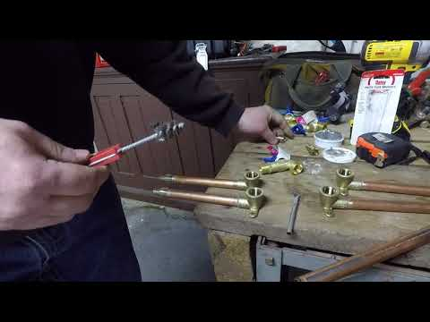 Cleaning copper pipe and fittings with wire brush cleaners DIY