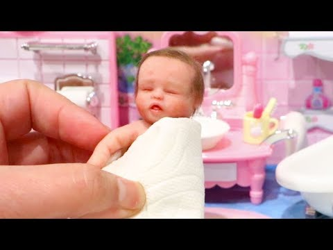Baby Doll Play ! Toys and Dolls Fun for Kids with Miniature Reborn Baby Gigi & Mini Nerlie