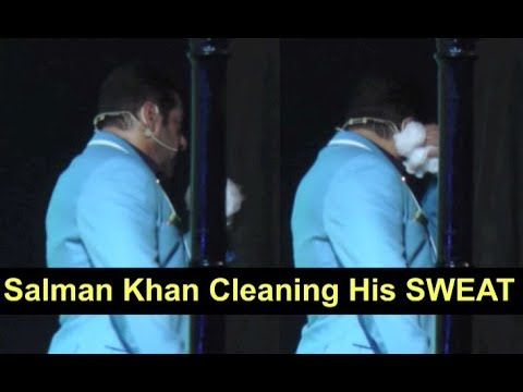 Salman Khan Cleans His Sweat From Forehead | WATCH VIDEO