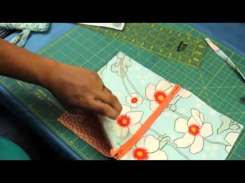 How to Make a Zipper Wristlet or Makeup Cosmetic Bag Pouch