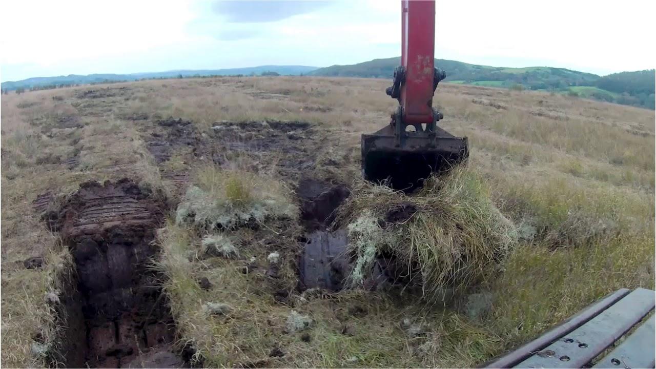 Video of restoration work on Cors Caron / Fideo o waith adfer ar Gors Caron