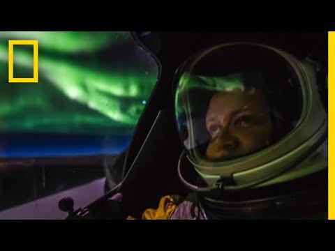 U2 Spy Plane Flies Through a Dazzling Aurora | National Geographic