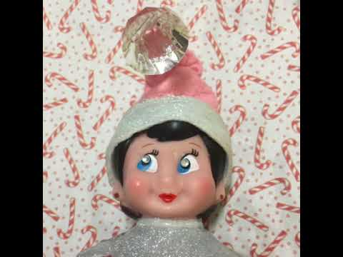 Elf on the Shelf Singing New Years Song!