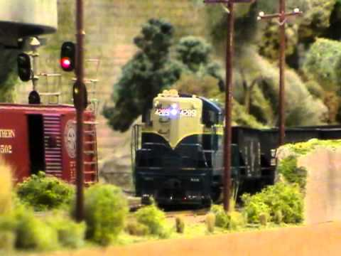 HO Scale: Universal Track Cleaner Kit Installed On A 4000 Cu Ft Three Bay Coal Hopper