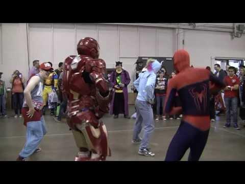 Spider-Man & Iron Man Dancing Gangnam Style