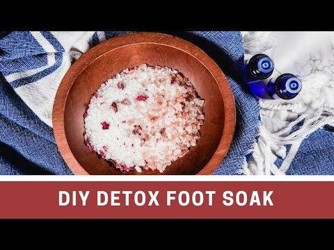 DIY Detox Foot Soak with Epsom Salt & Apple Cider Vinegar