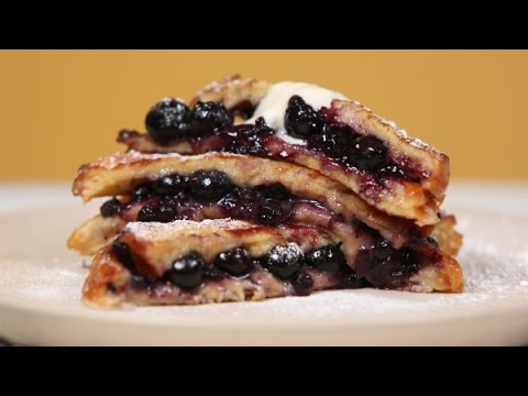 How to make blueberry french toast with maple syrup cream, french toast and egg casserole