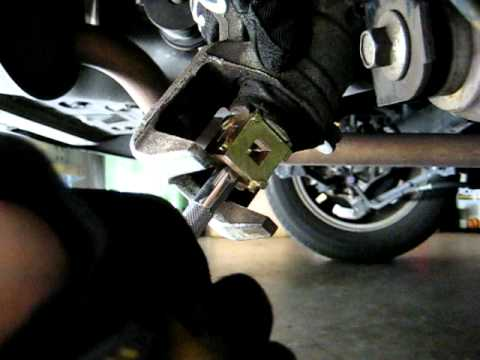 Honda Accord - How To Turn Back Screw-In Type Rear Caliper Pistons - Disc Brake Piston Tool
