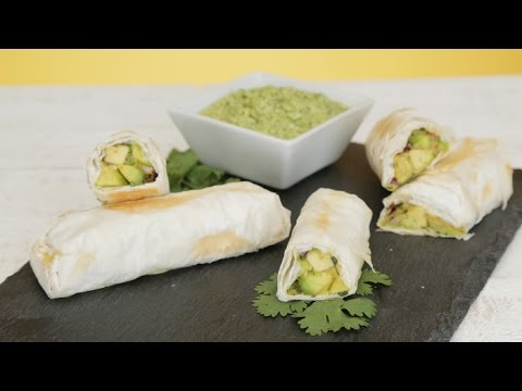 These Guilt-Free Avocado Egg Rolls Are Just 100 Calories Per Serving | GLOW