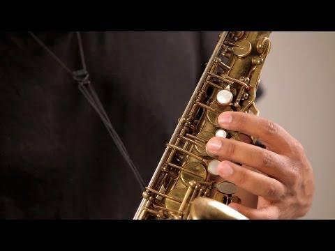 Proper Sax Finger Placement | Saxophone Lessons